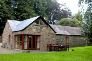 Mount Cashel Lodge-Stables